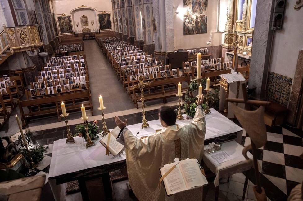 Desde este viernes el aforo de las parroquias podrá llegar al 50% en municipios de menos de 10.000 habitantes
