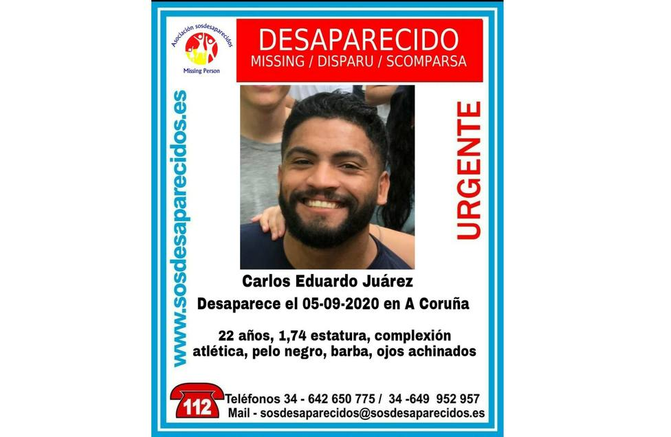 Cartel con la desaparición de Carlos Eduardo Juárez - FOTO: SOS Desaparecidos