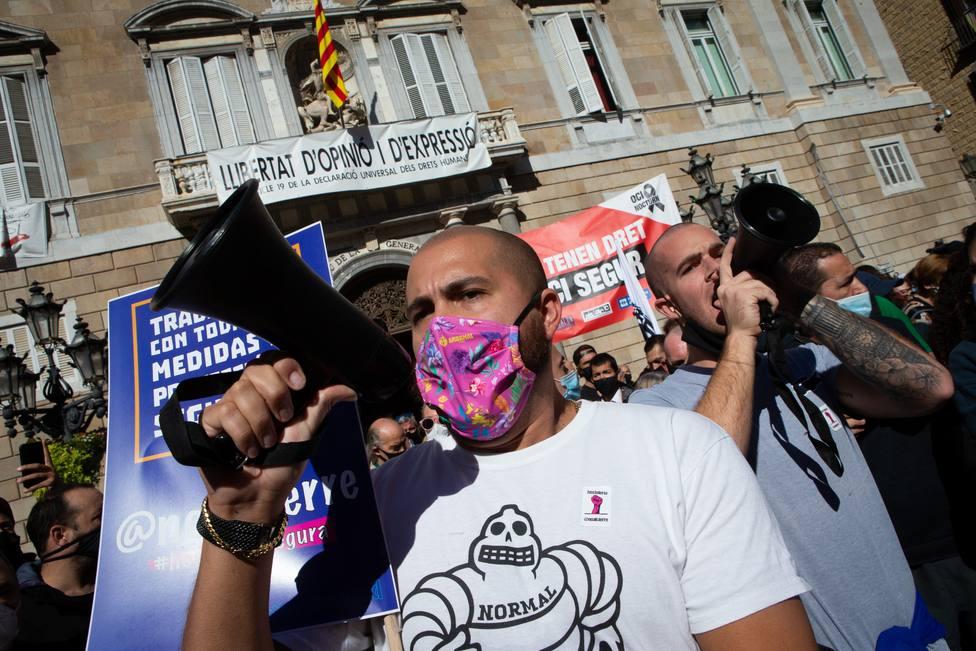El cierre de bares y restaurantes desata las protestas en Cataluña