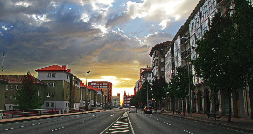 Foto de archivo de la carretera de Castilla, cerca de la plaza de España - FOTO: Pepe Mauriz