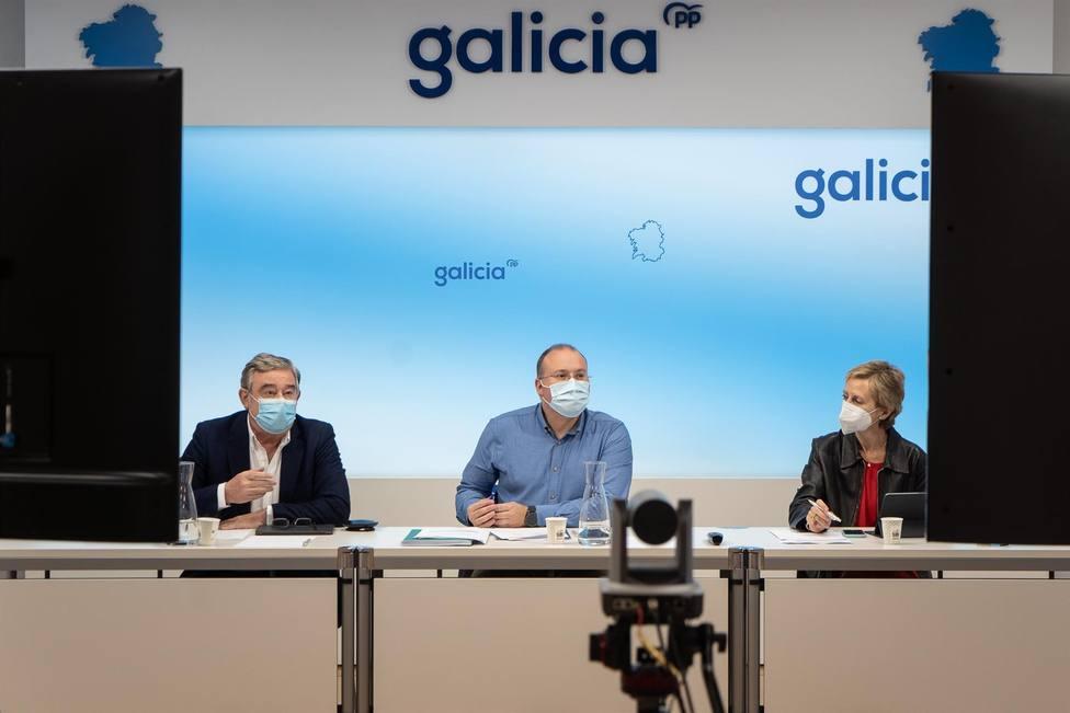 Rueda de prensa de Xosé Manuel Barreiro, Miguel Tellado y Marta González - FOTO: PPdeG
