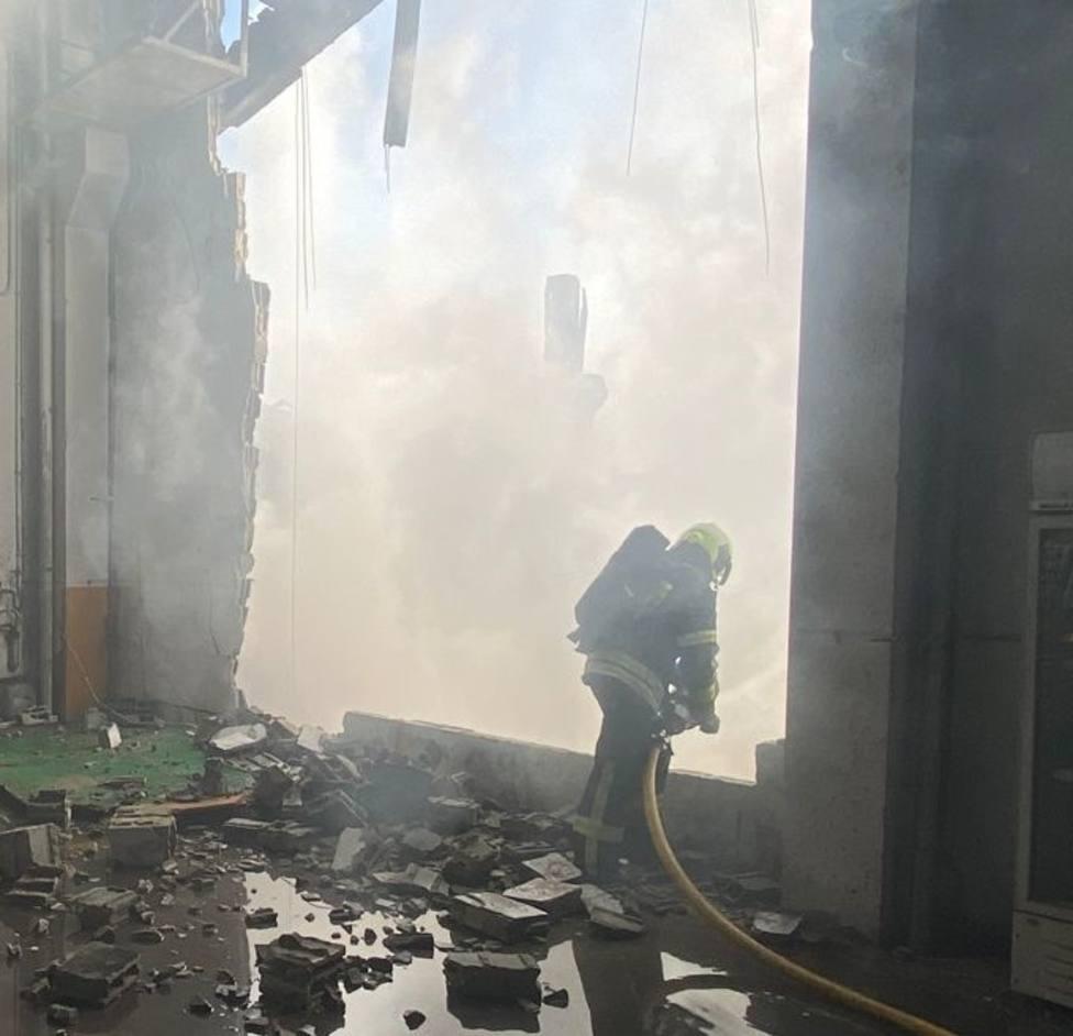 El incendio de O Ceao dejó totalmente destruidas tres naves industriales