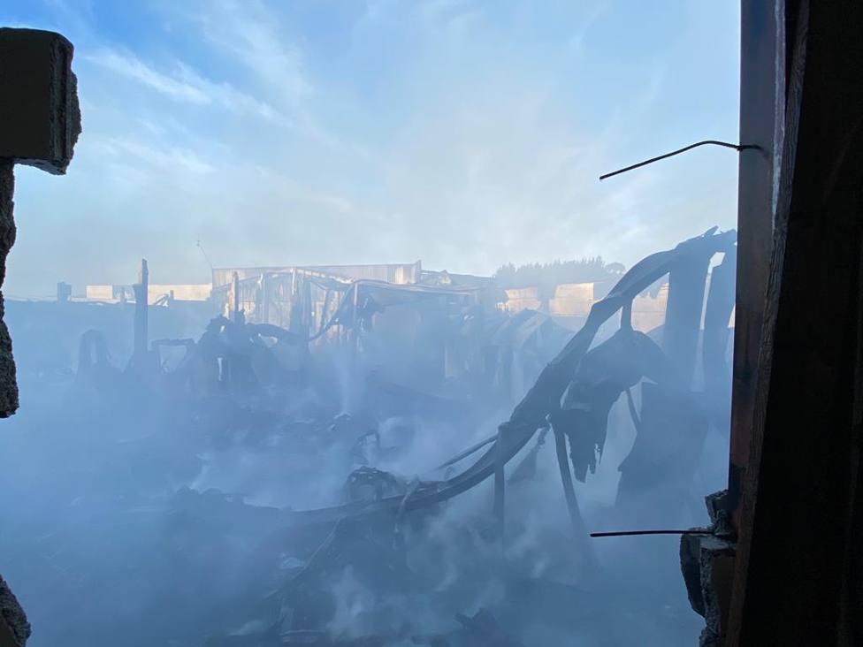 La Policía Nacional se prepara para investigar el origen del incendio en Lugo