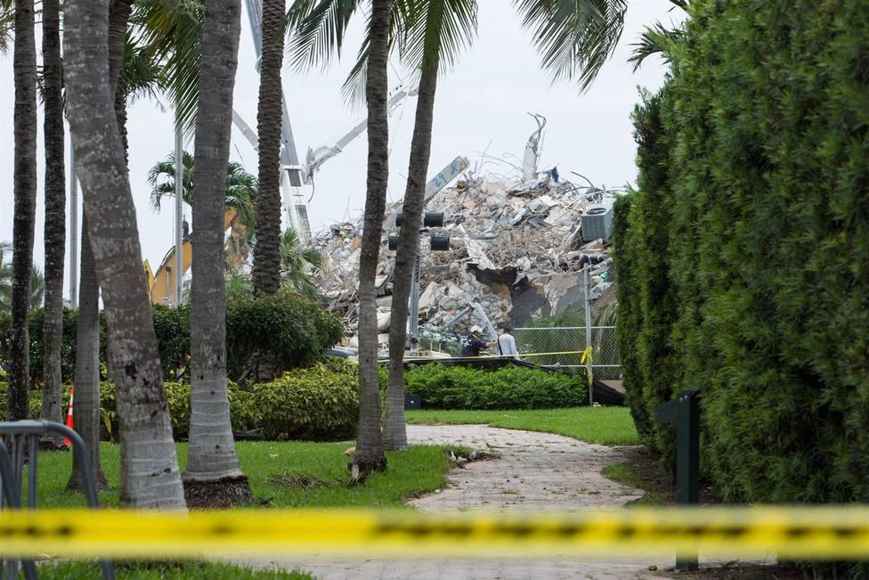 El derrumbe del edificio de Miami alcanza los 60 fallecidos