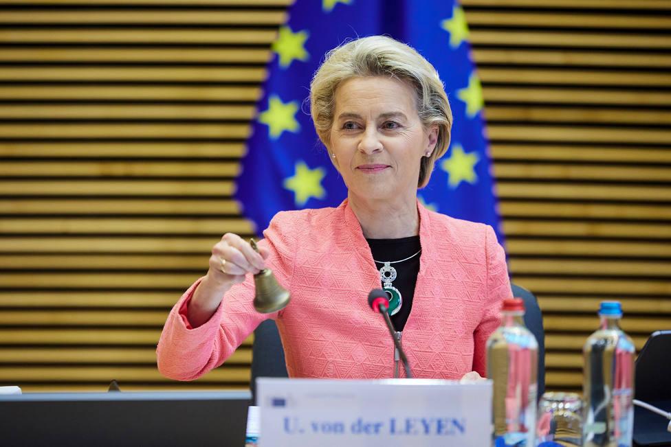 Europa prohibirá la venta de los coches de gasolina, diésel o híbridos en 2035