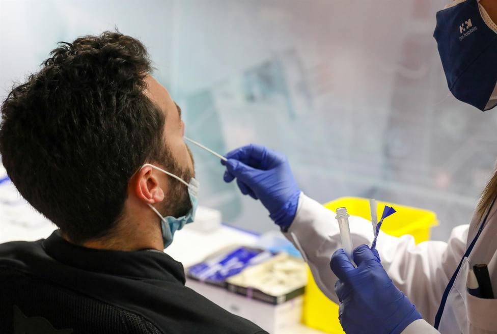 CORONAVIRUS | Andalucía roza una tasa de 400 y suma 4.103 casos y cinco muertes en 48 horas