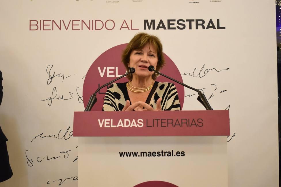 Nativel Preciado presenta su novela ganadora del premio Azorín en las Veladas Literarias del Maestral