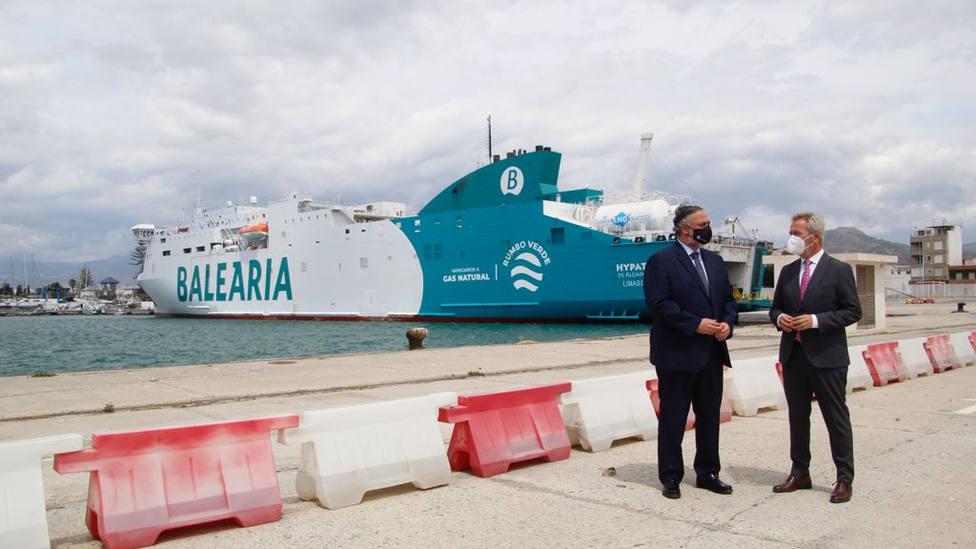 El Puerto de Motril ha suministrado a Balearia 2.740 toneladas de Gas Natural Licuado