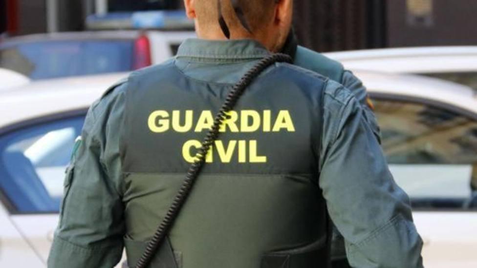 La Guardia Civil interviene una furgoneta con armas de guerra en la Jonquera