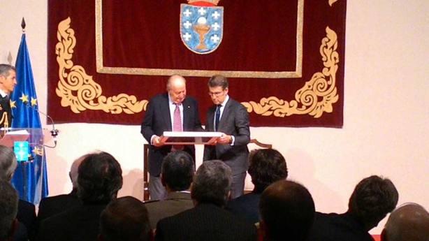 El Rey Juan Carlos asume con honor su credencial de Embajador del Camino