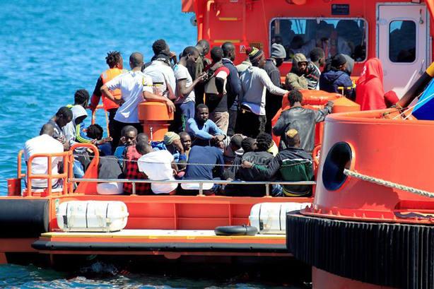 Rescatados 90 inmigrantes y 3 cadáveres en aguas del Mar de Alborán