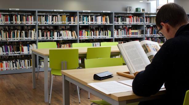 Biblioteca Ricardo Léon de Galapagar