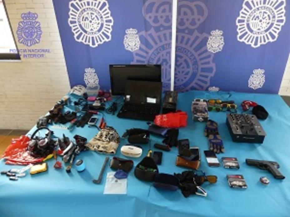 Cuatro detenidos como presuntos autores de una oleada de robos en el interior de vehículos en Ponferrada