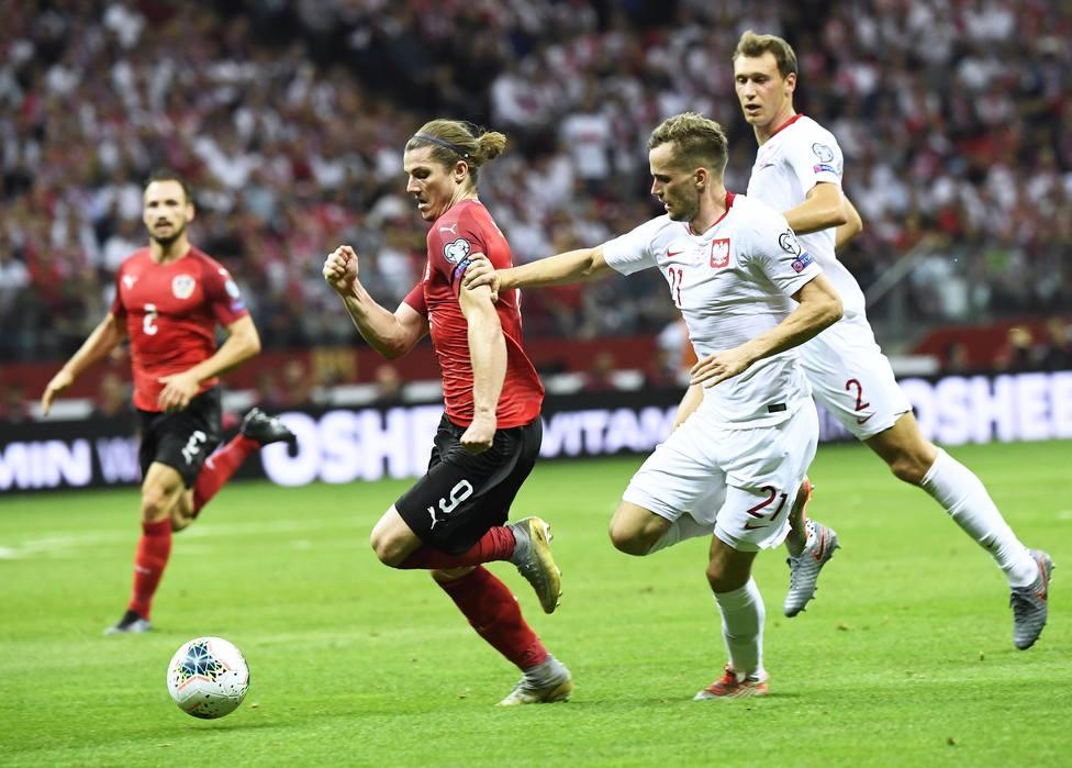 (Grupo G) Polonia retiene el liderato con un empate ante Austria