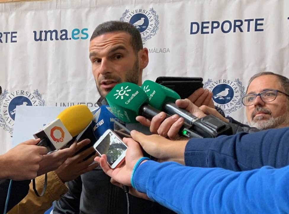 David Lombán habló ante los medios de su proceso de recuperación en un acto en la UMA.