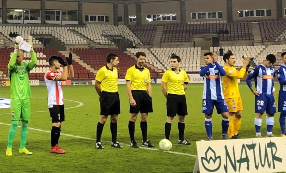 Lo nunca visto: El arbitro saca 14 tarjetas en Las Gaunas, 12 amarillas y 2 rojas