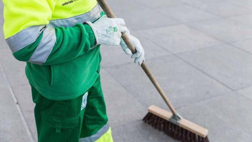 Vacantes para limpieza viaria y recogida de basuras / Foto: Valoriza