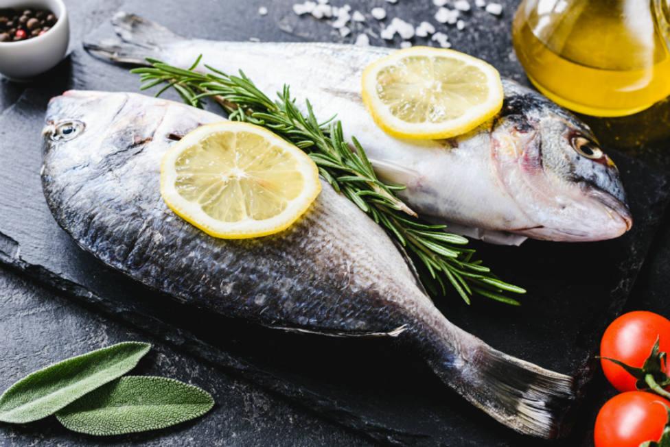 La metedura de pata que cometes siempre al freír pescado y que arruina tu plato