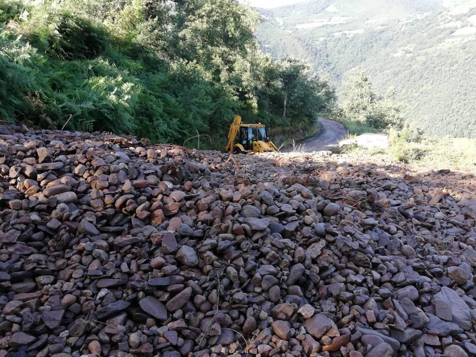 Desprendimiento en la carretera de Fuentes de Corbero