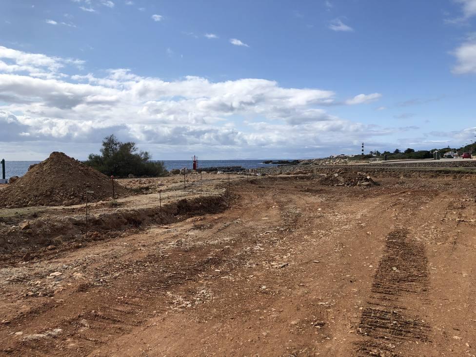 Iniciadas las obras de reforma de un tramo del Paseo Marítimo de la urbanización de Cala en Bosc