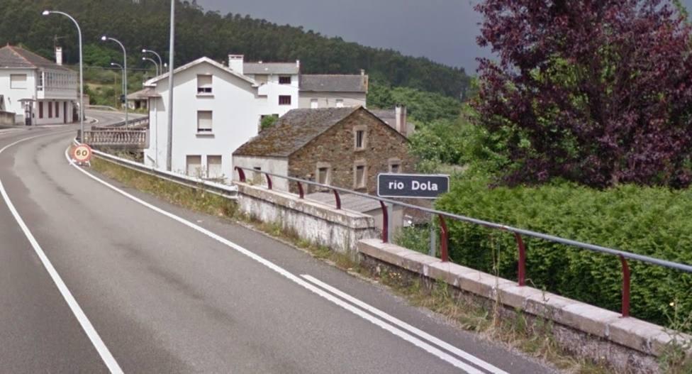 Zona de paso del río Dola bajo la carretera AC-862, en Espasante, Ortigueira