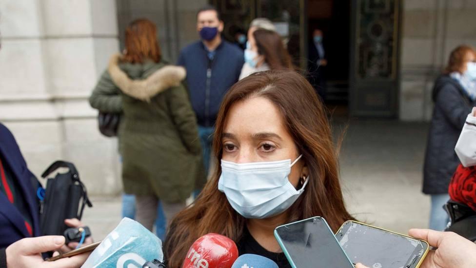 Inés Rey con mascarilla