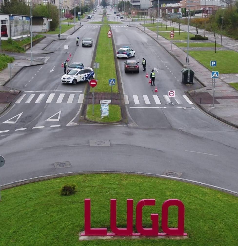 Interceptado en Lugo un vehículo de autoescuela con tres alumnos, sin seguro y embargado