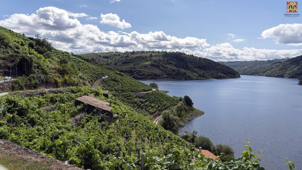 Medio Ambiente reúne en una guía el patrimonio natural de la Ribeira Sacra