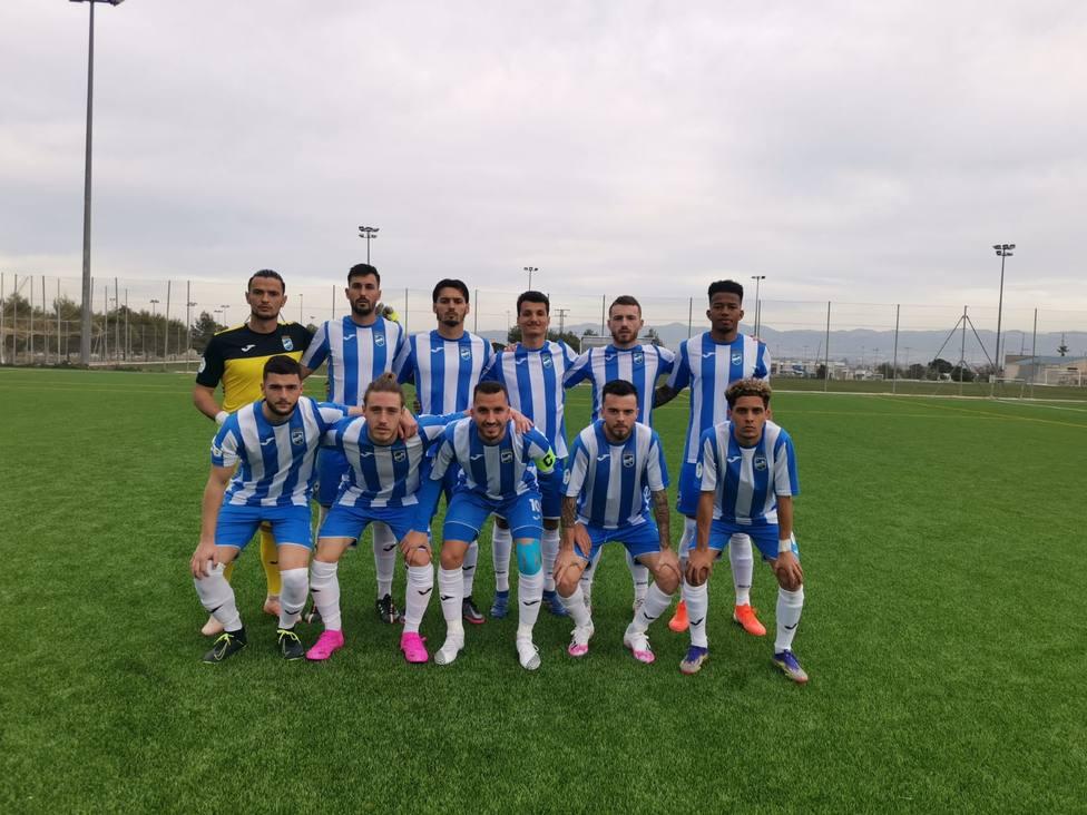 64 jugadores han pasado por las filas del Lorca FC