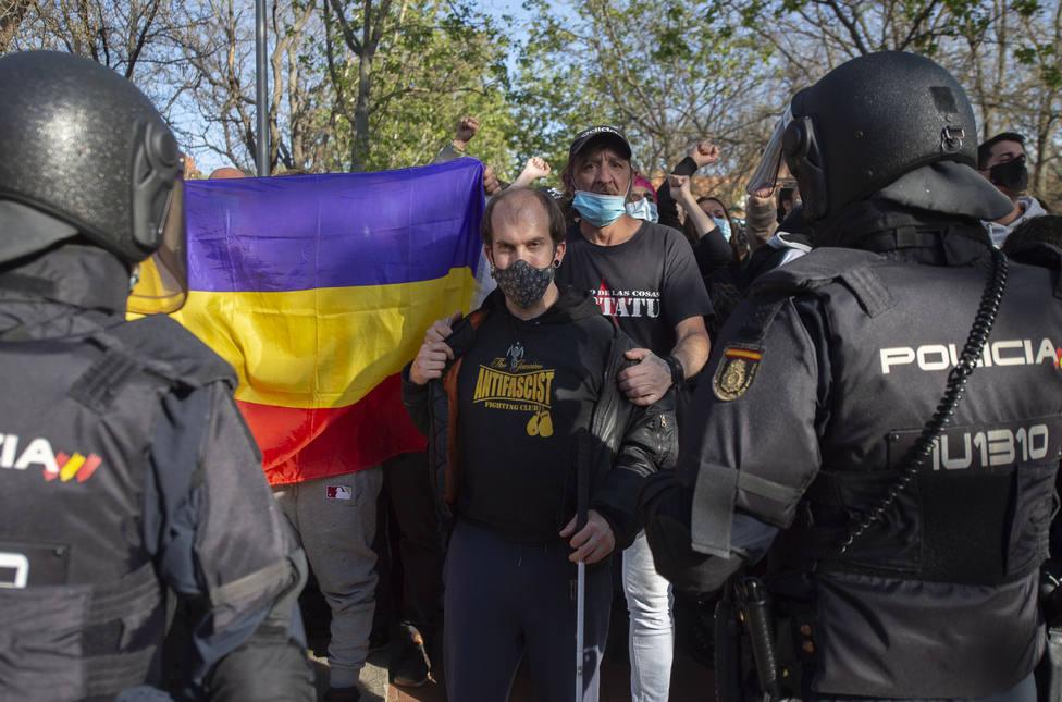 Antifascistas boicotean el acto de presentación de Vox en Vallecas