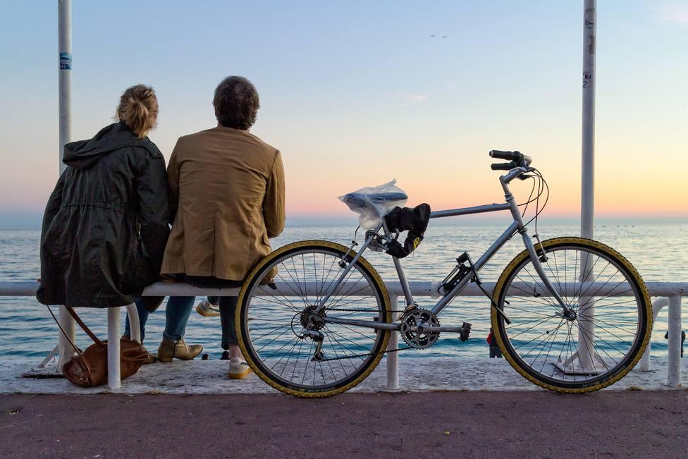 Estos son los consejos que debes seguir si quieres circular en bicicleta seguro por la ciudad