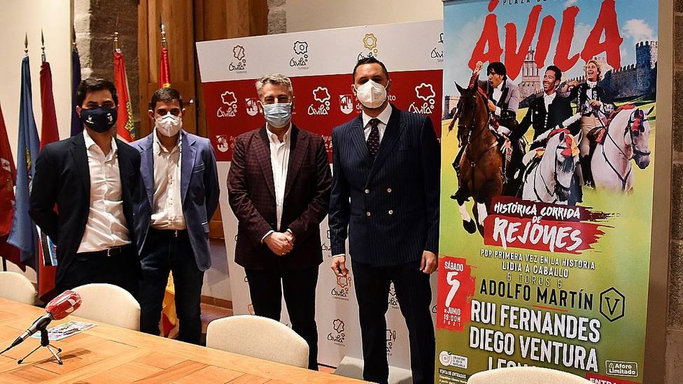 Acto de presentación del festejo de rejones que se celebrará en Ávila el 5 de junio