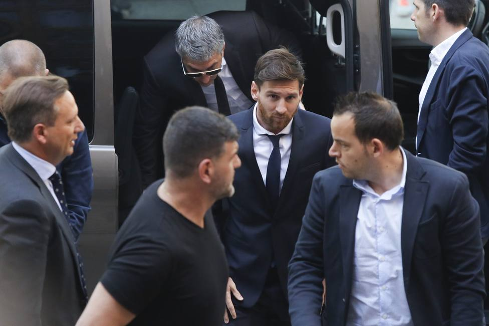 Jorge y Leo Messi antes de ir a declarar