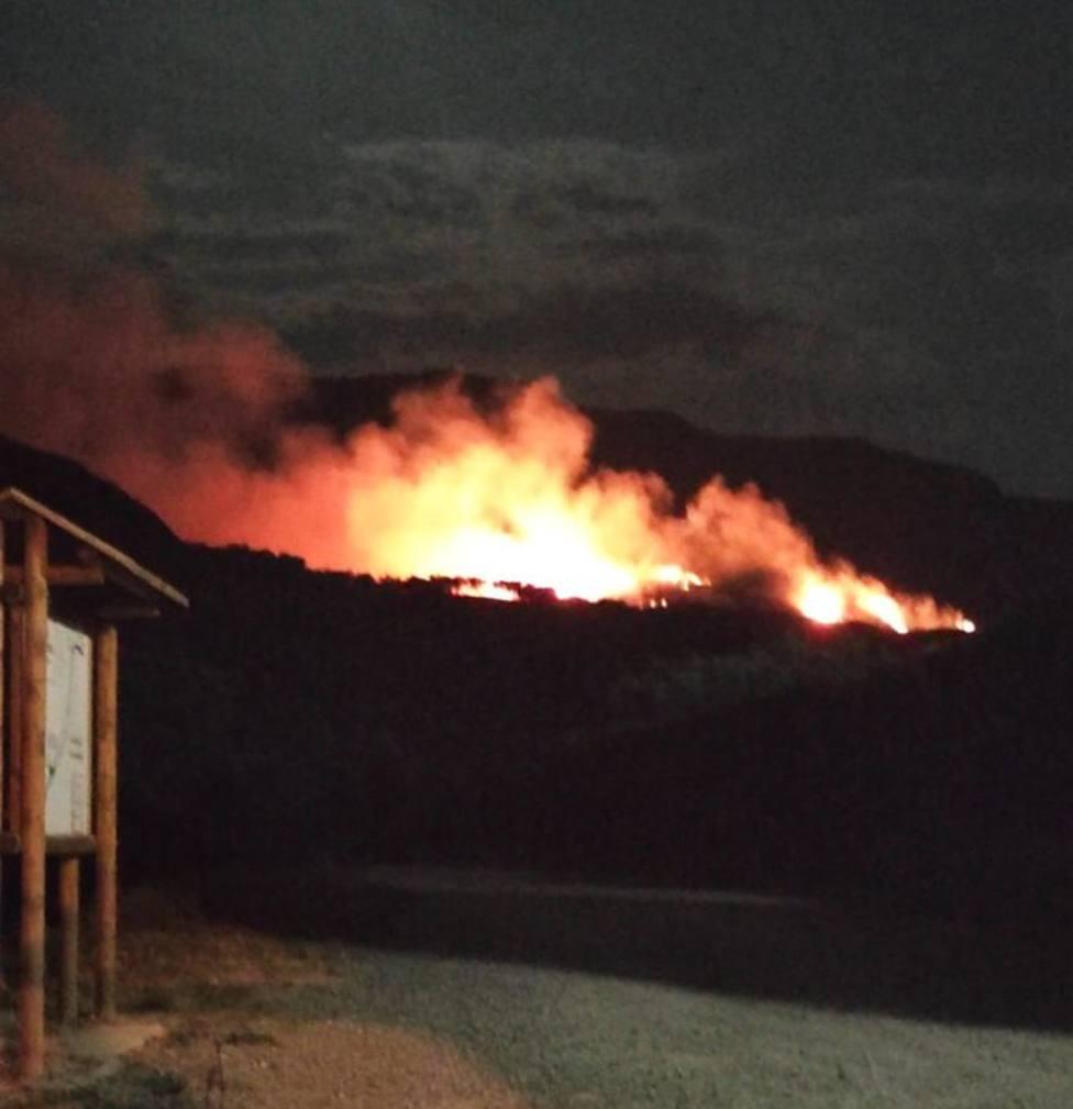 Un rayo provoca un incendio en Ribafrecha y Leza