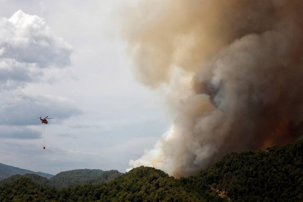 Labores de extinción del incendio de Santa Coloma de Queralt (Tarragona)