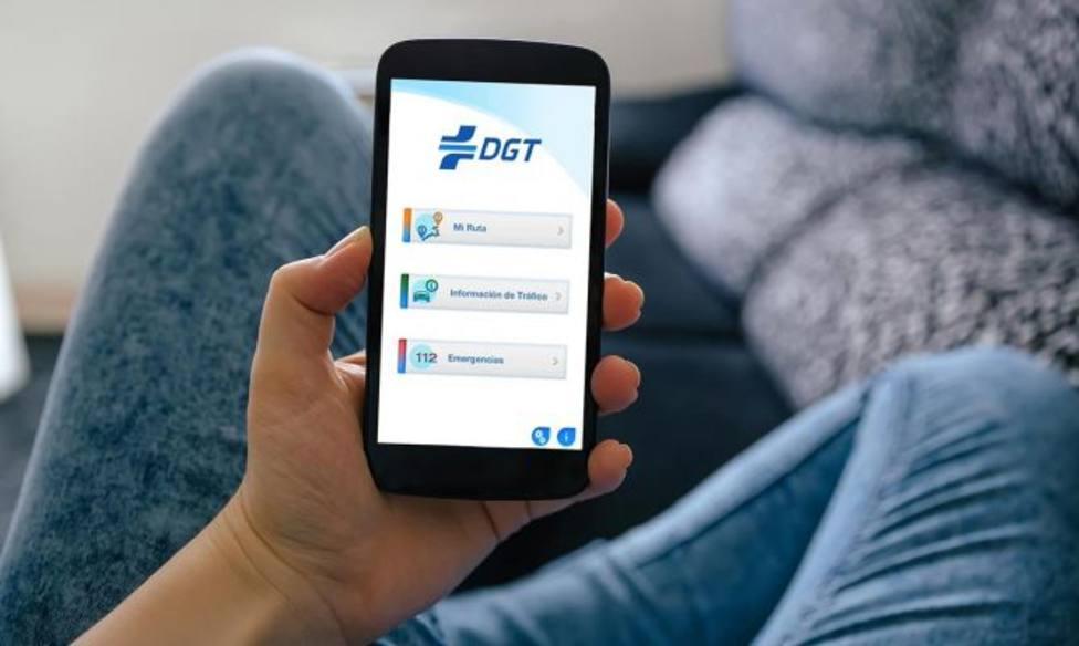 La DGT pone a tu disposición una aplicación móvil gratuita para que puedas llevar tu documentación.
