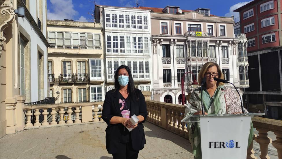 Eva Martínez Montero y Maite Deus. FOTO: concello de Ferrol