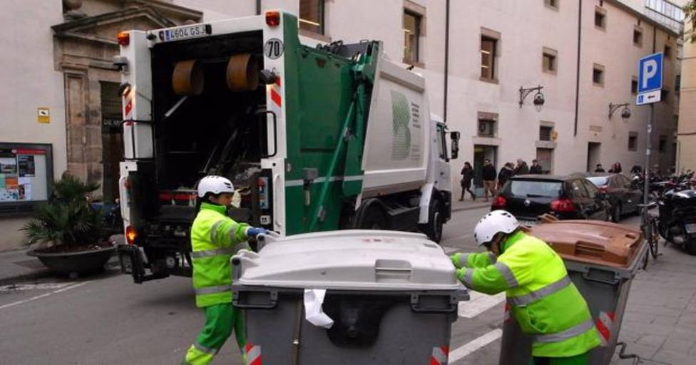 El Ayuntamiento de Barcelona pospone la segunda fase de la recogida de basura puerta a puerta