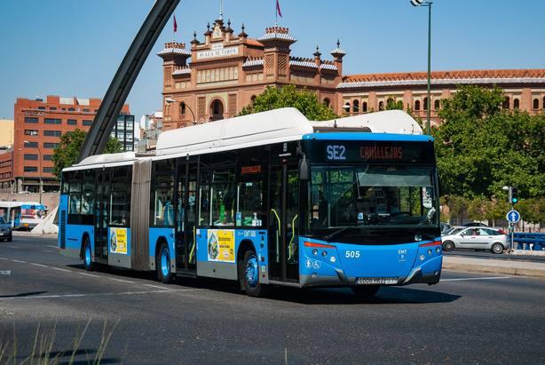 Siete de cada diez conductores dejarían el coche si mejorara el transporte público, según la OCU