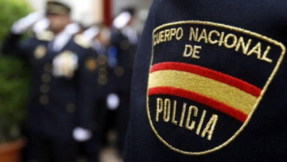 Foto de archivo de un agente de Policía Nacional