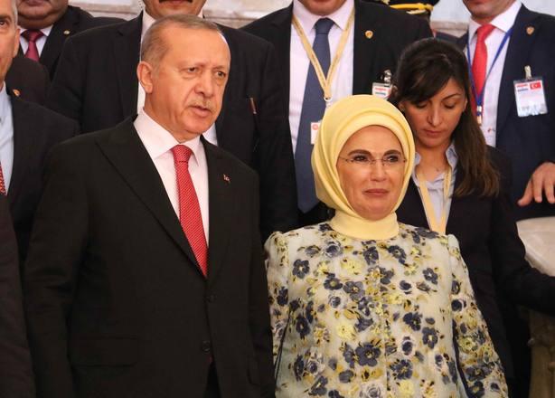 Erdogan llega a Asunción en una visita que sigue a apertura de embajada turca