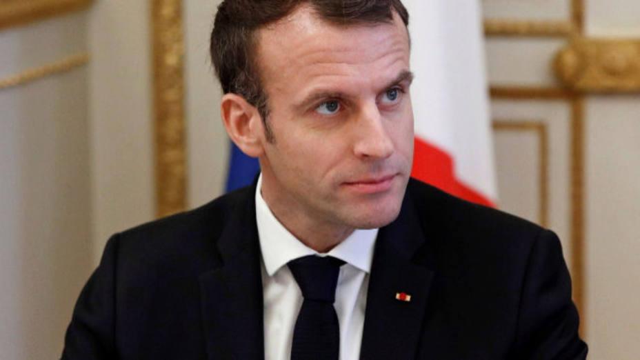 Macron subirá el salario mínimo y bajará impuestos para frenar las protestas
