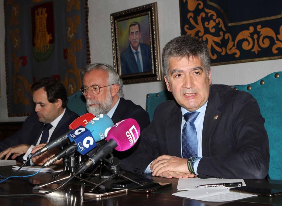 Cosidó niega haber contactado con Villarejo