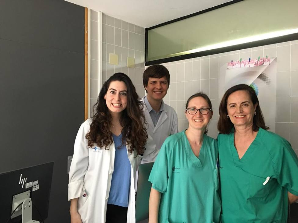 Dos médicos residentes del Hospital del Bierzo recinen galardones por su labor formativa e investigadora