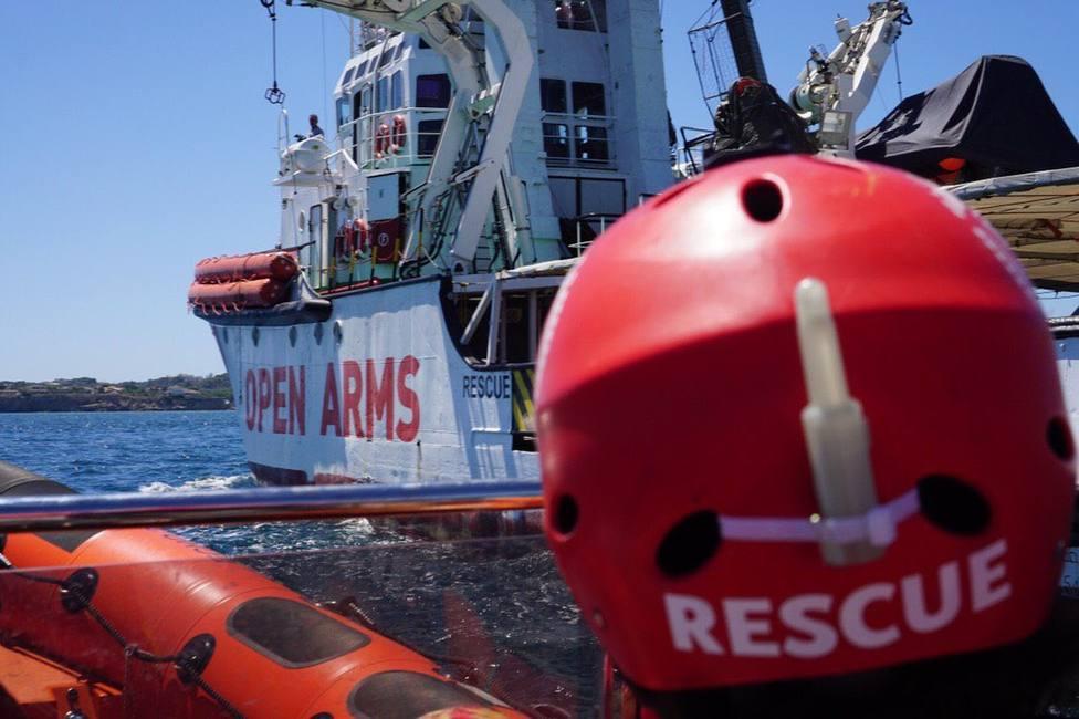 El barco Open Arms solicita a Italia la evacuación de tres migrantes a bordo por urgencia médica