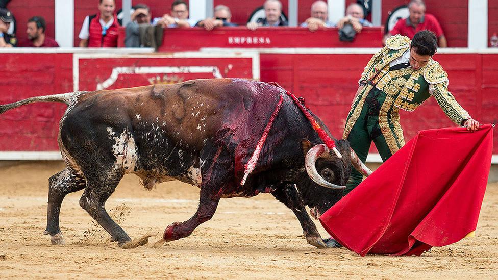 Sergio Serrano firmó los mejores muletazos del festejo de Albacete ante el quinto toro de Torrestrella
