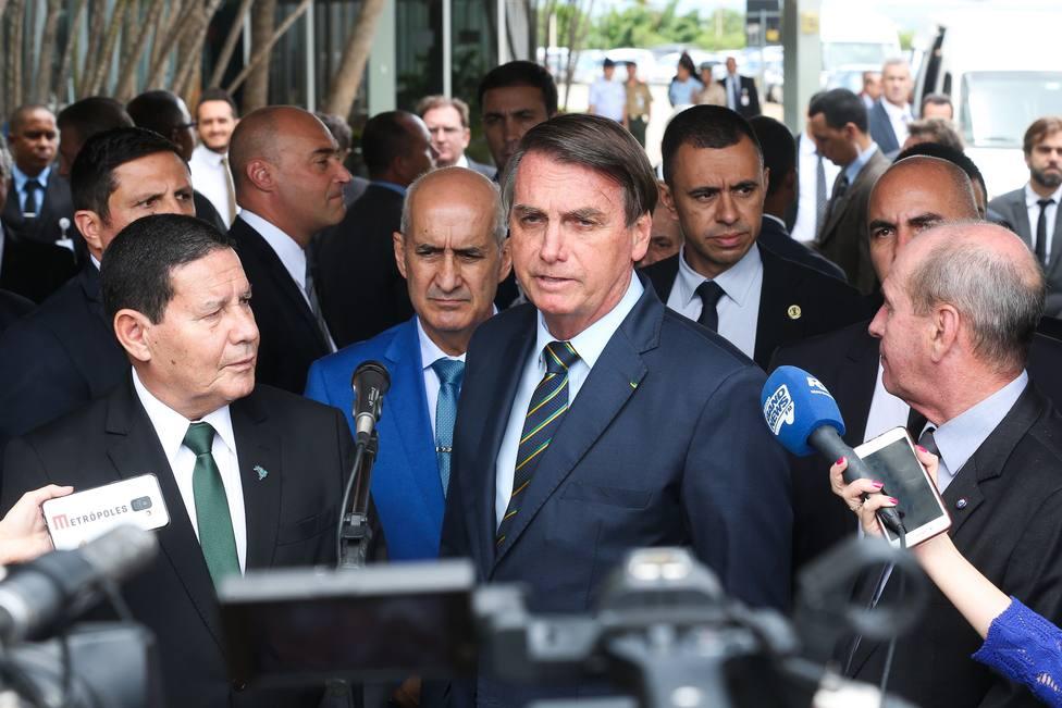 Bolsonaro insinúa que una periodista intentó recabar información contra él a cambio de sexo