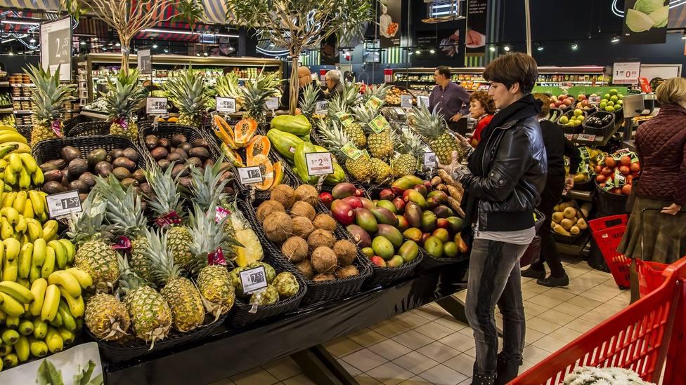 Sección de frutería del supermercado Eroski