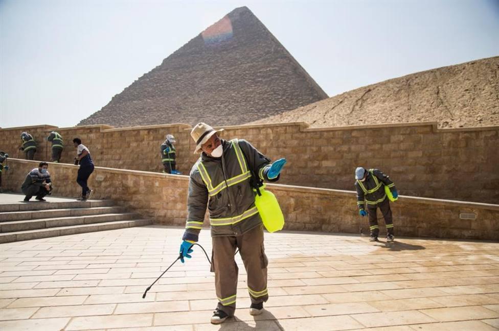 Se ha higienizado el entorno de las pirámides de Keops, Kefren y Micerinos por coronavirus