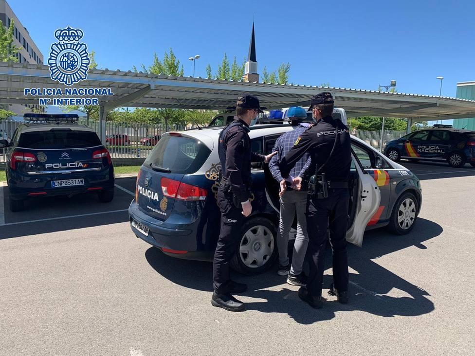 La Policía Nacional detiene a un hombre por robar en un vehículo aparcado en el centro de Logroño